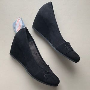 NWT 🆕 Comart Black Suede Wedge - Made in Italy